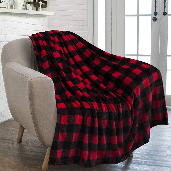 2018 Holiday Family Gift Ideas: Cozy Throw