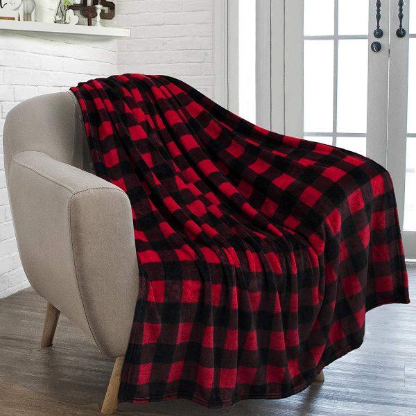 2018 Holiday Family Gift Ideas: Cozy Throw