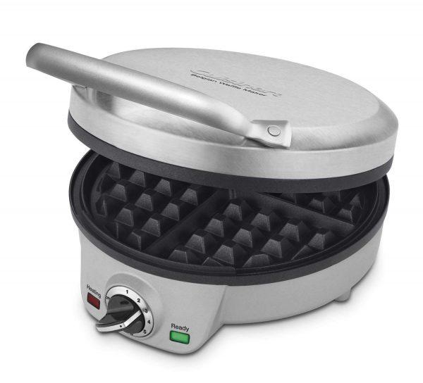 kitchen gadgets: waffle maker