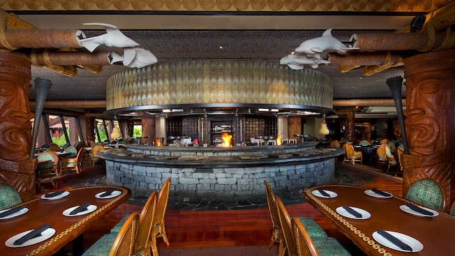 Best Places to Eat in Disney World Resort Restaurants: Ohana